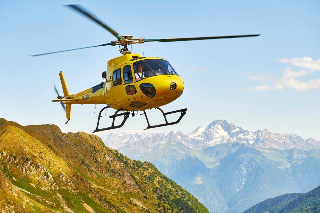 simone-moro-helicopter-yellow